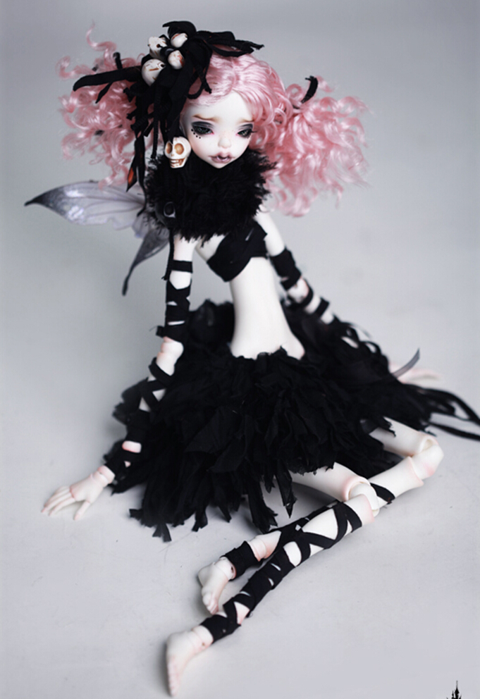 Doll-Chateau-Agatha-2.jpg