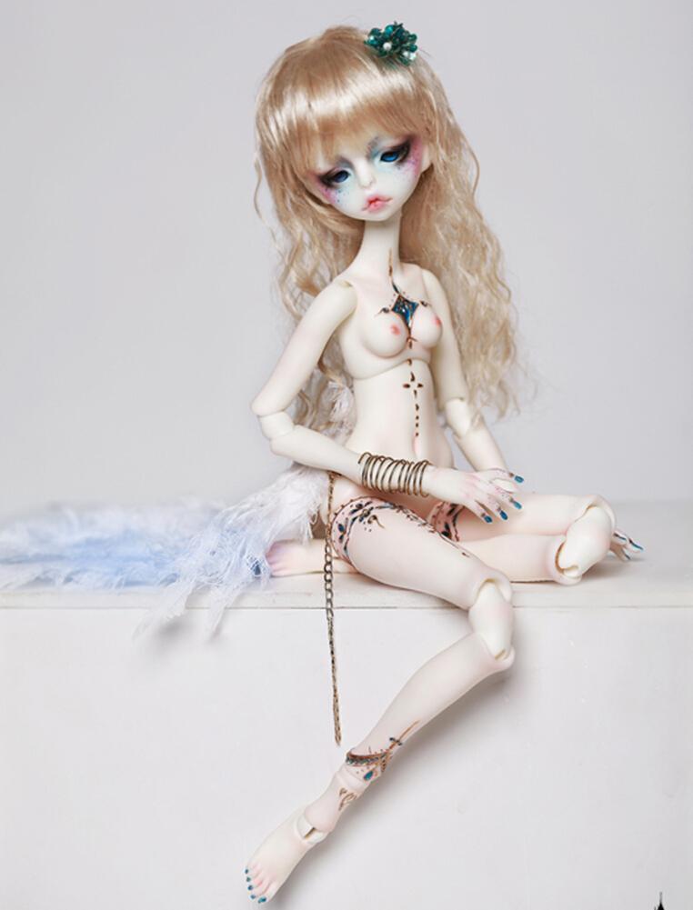 Doll-Chateau-Zora-4.jpg