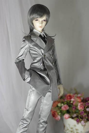 Silver-grey-suits-2.jpg