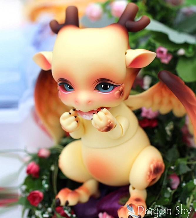 Aileendoll-Dragon-shy-1.jpg