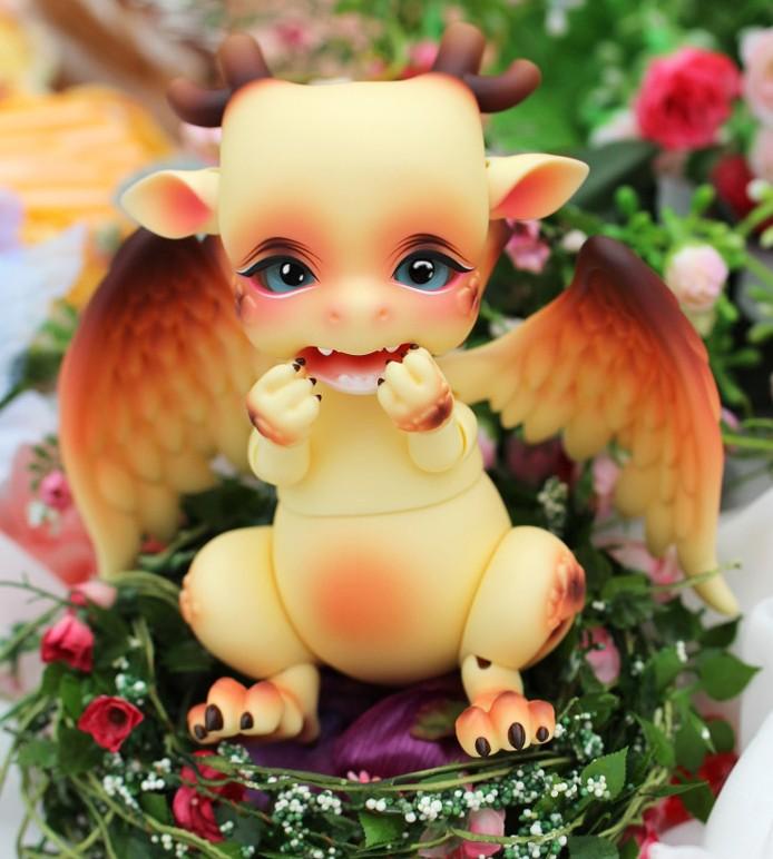 Aileendoll-Dragon-shy-2.jpg