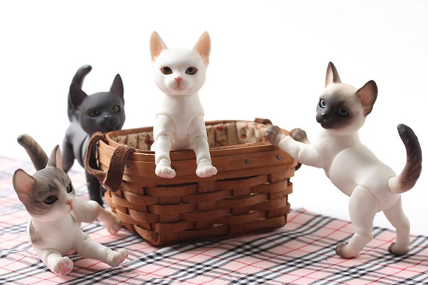 ipleouse-Pet-Doll-Cat-1.png