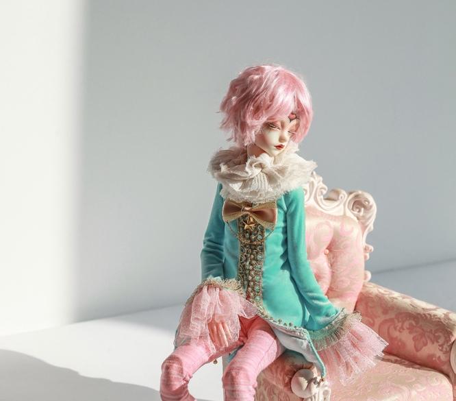Doll-Chateau-Colin_2.jpg