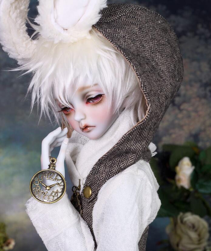 peakswoods-white-rabbit-2.jpg
