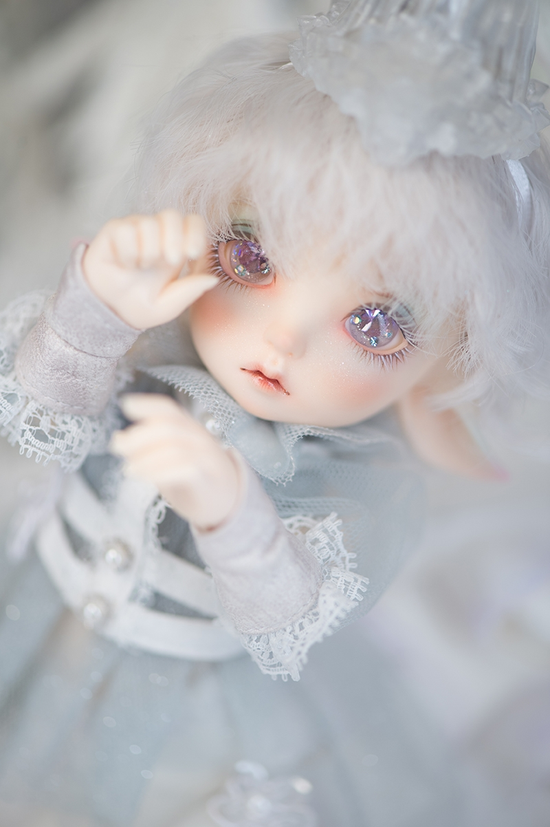 Realfee_Luna_1.jpg