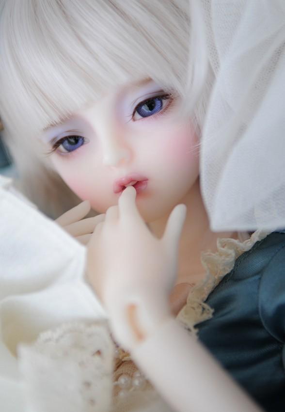 dollmore-Mio_1.jpg