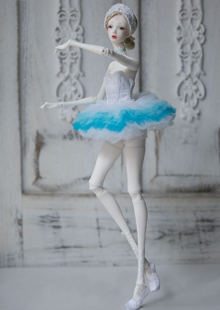 white-Swan-6.jpg