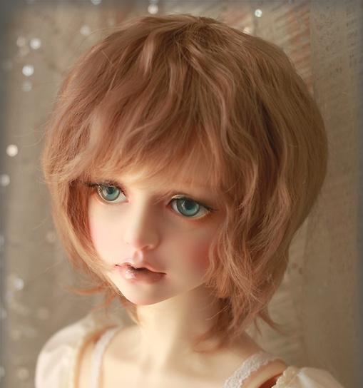 short-wig_2.jpg