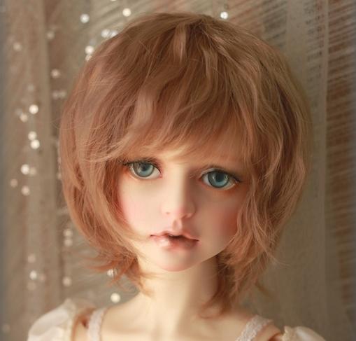 short-wig_3.jpg