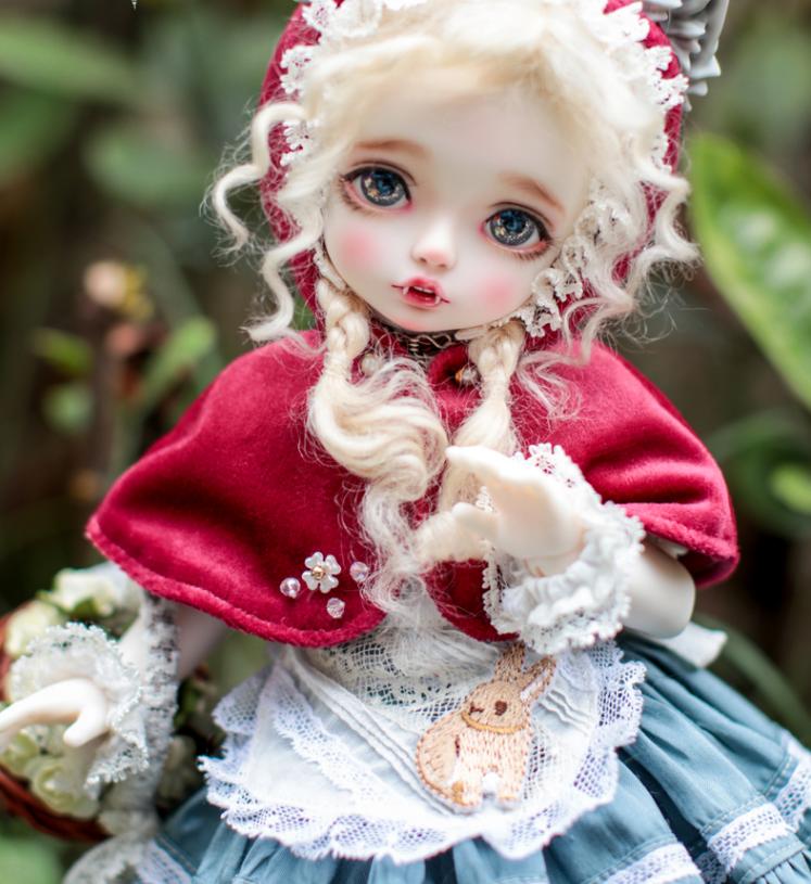 Lola-vampire.png