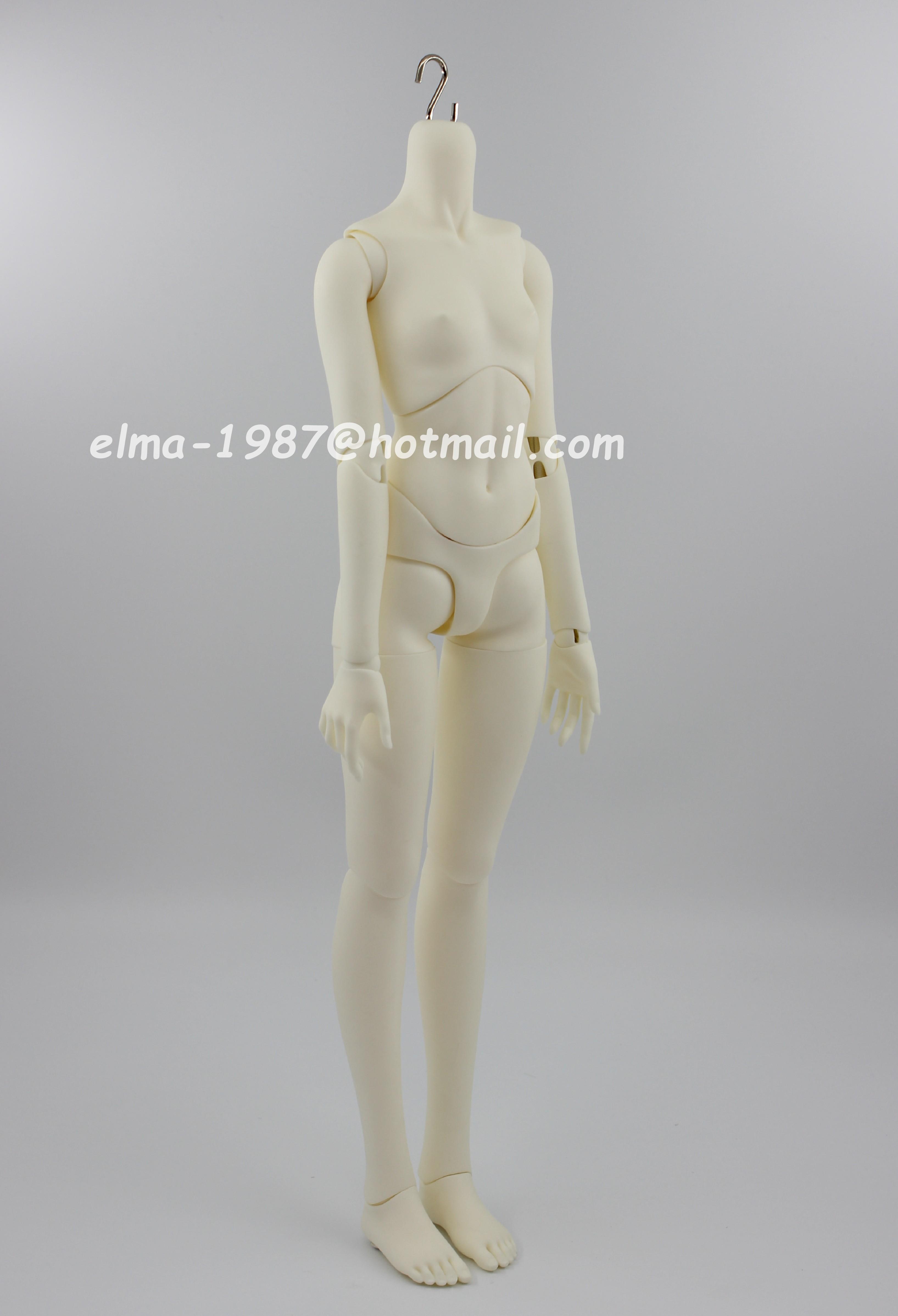 sdgr-flat-feet-small-breasts-body-1.jpg